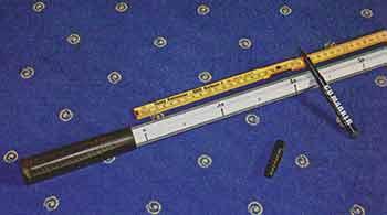 Ручка подсачека с самодельной линейкой